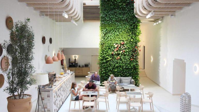 Gatzara Suites en Ibiza: un refugio blanco de felicidad y abundanciadiseñado por Estudio Vila 13